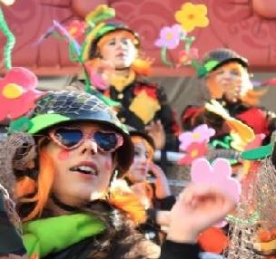 Carnevale di Viareggio: Terzo Corso Mascherato con fuochi