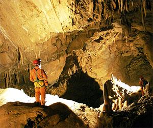 Garfagnana, corsi per diventare speleologo