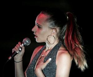 Giuliana Maffei giovane e brava cantante Lucchese