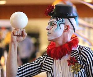 Festival di clowns e artisti di strada: divertimento e risate a Camporgiano